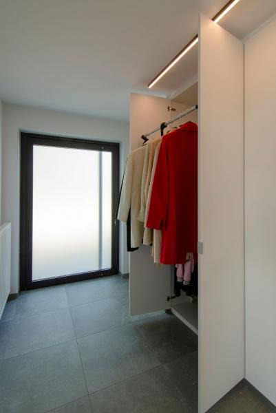 renovatie-woning-veurne-met-leefkeuken-en-inkom-22