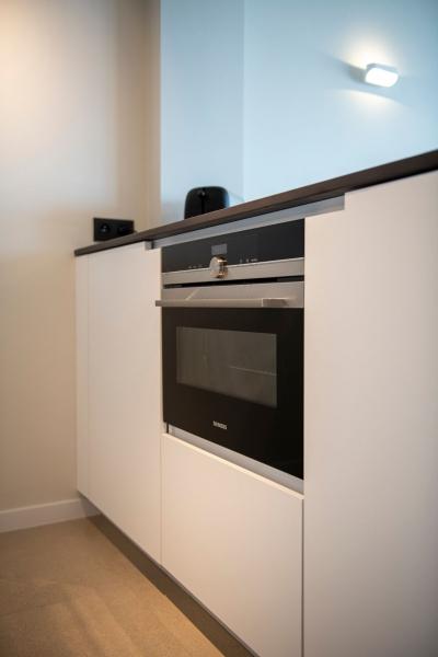 mortier-renovatie-totaalrenovatie-appartement-met-maatwerk-oostduinkerke-koksijde-51