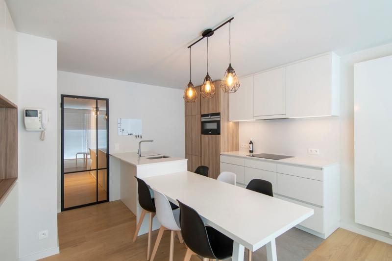 totaalrenovatie-en-meubelmaatwerk-appartement-nieuwpoort-zeedijk-mortier-4