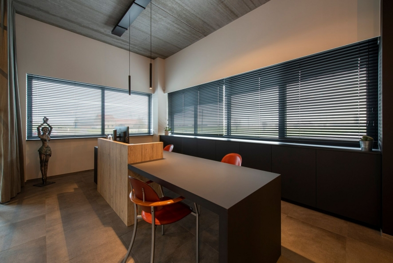 renovatie-interieur-bureauruimte-mancave-veurne-mortier-15