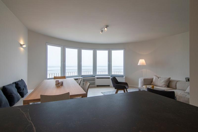 mortier-renovatie-totaalrenovatie-appartement-met-maatwerk-oostduinkerke-koksijde-20