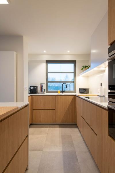 renovatie-keuken-inkom-mortier-renovatiewerken-maatwerk-tegels-schrijnwerk-45