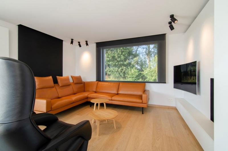 renovatie-woning-veurne-met-leefkeuken-en-inkom-1